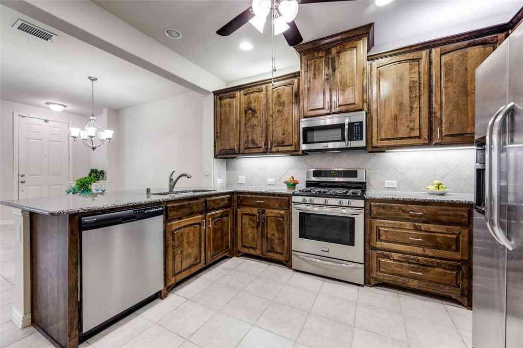 527 MATTHEW Place, Richardson, TX, 75081,