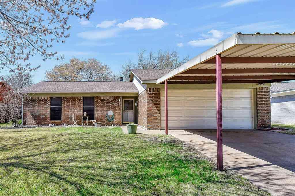 1301 N Knowles Drive, Saginaw, TX, 76179,