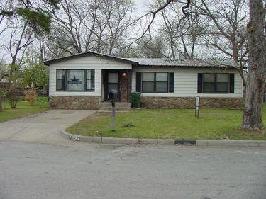 109 Pine Street, Arlington, TX, 76011,