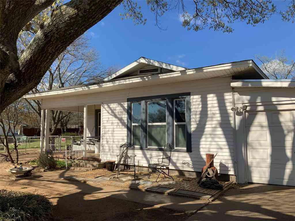 217 N Oak Street, Crowley, TX, 76036,