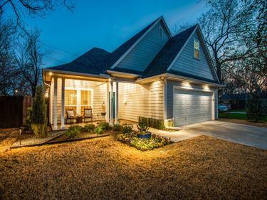 4803 Calmont Avenue, Fort Worth, TX, 76107,