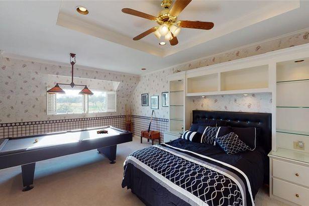 1401 Cottonwood Valley Circle N