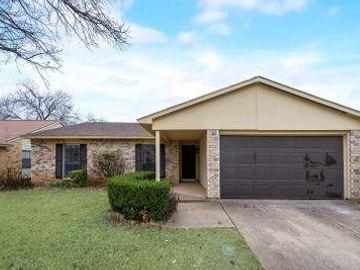 3813 Bee Tree Lane, Fort Worth, TX, 76133,