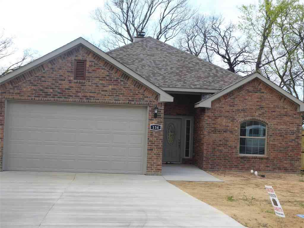 134 Towering Oaks Drive, Tool, TX, 75143,