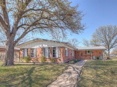 2700 W Fuller Avenue, Fort Worth, TX, 76133,