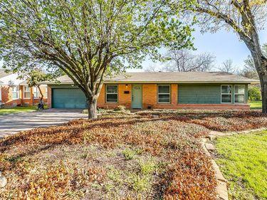 3620 W Seminary Drive, Fort Worth, TX, 76109,