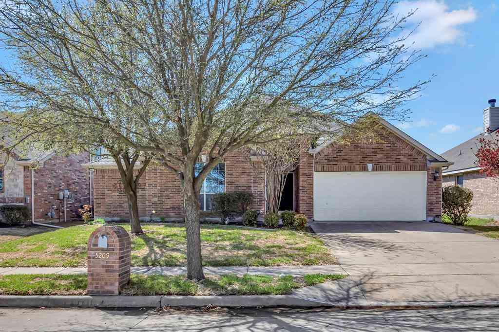 5209 Threshing Drive, Fort Worth, TX, 76179,