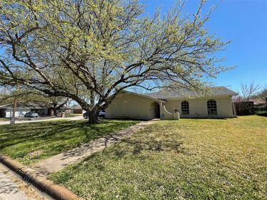 501 Edna Court, Everman, TX, 76140,