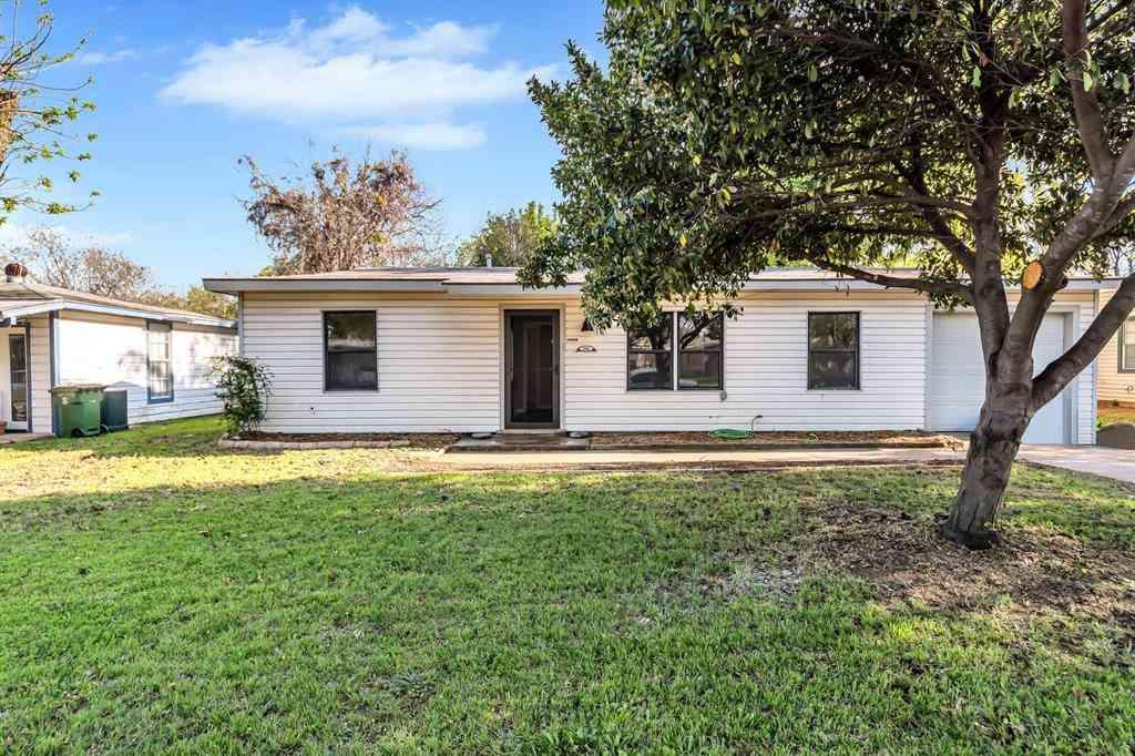 600 Brookfield Drive, Hurst, TX, 76053,