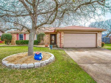 1812 Tobie Layne Street, Benbrook, TX, 76126,