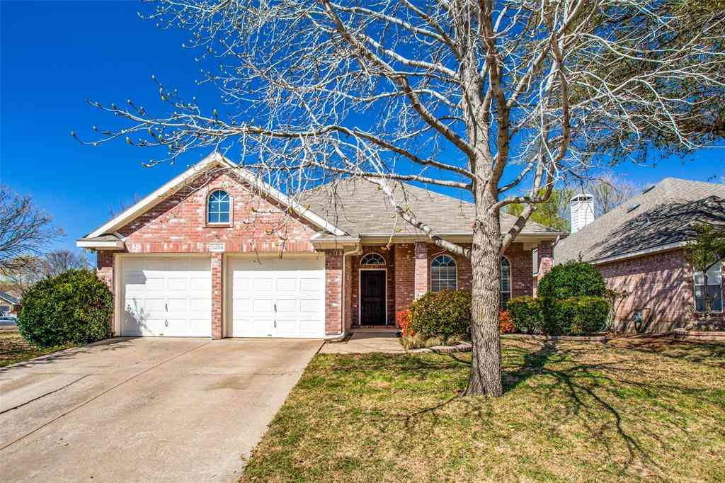 5209 Warm Springs Trail, Fort Worth, TX, 76137,