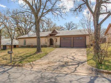 7600 Kell Drive, Fort Worth, TX, 76112,