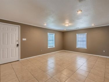 2845 S Grove Street, Fort Worth, TX, 76104,