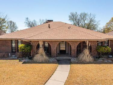 422 Dinalynn Street, Mesquite, TX, 75149,