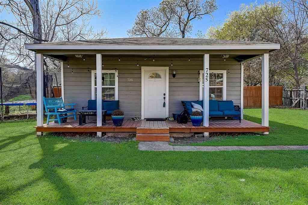 725 Churchill Road, River Oaks, TX, 76114,