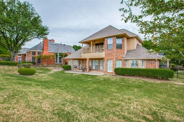 4807 N Meadow Ridge Circle