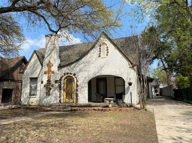 2741 Willing Avenue, Fort Worth, TX, 76110,