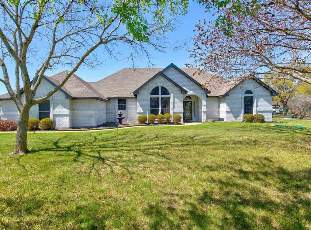 1220 W Cleburne Road, Crowley, TX, 76036,