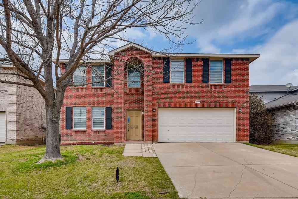 1833 Lariat Drive, Fort Worth, TX, 76247,