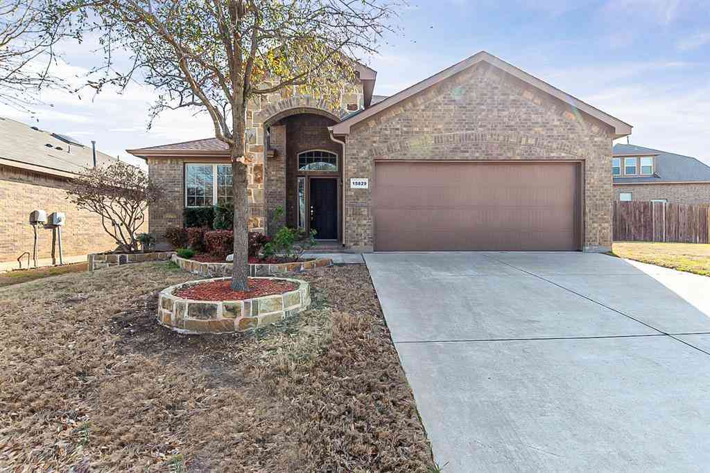 15829 Carlton Oaks Drive, Fort Worth, TX, 76177,