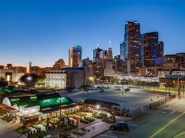 560 S Pearl Expy, Dallas, TX, 75201,