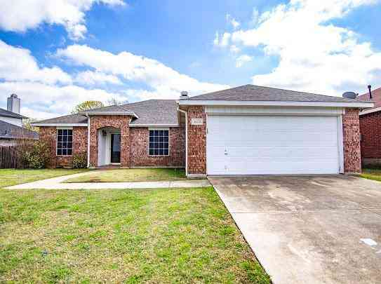 3621 Blue Springs Drive, Fort Worth, TX, 76123,