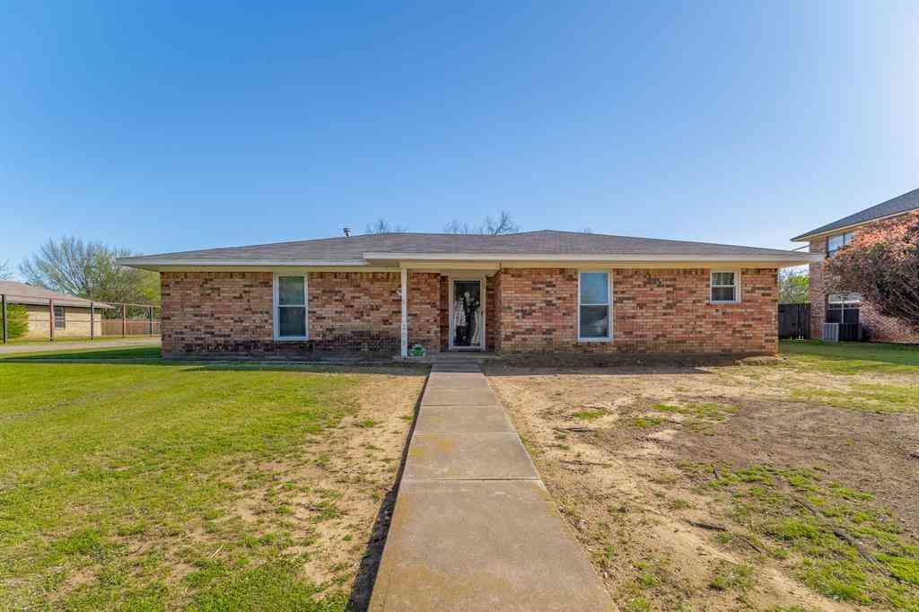 209 E Grove Street, Pilot Point, TX, 76258,