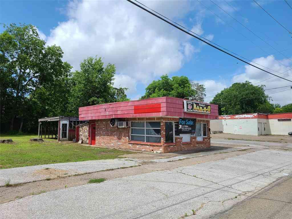 303 W Grove Street, Kaufman, TX, 75142,