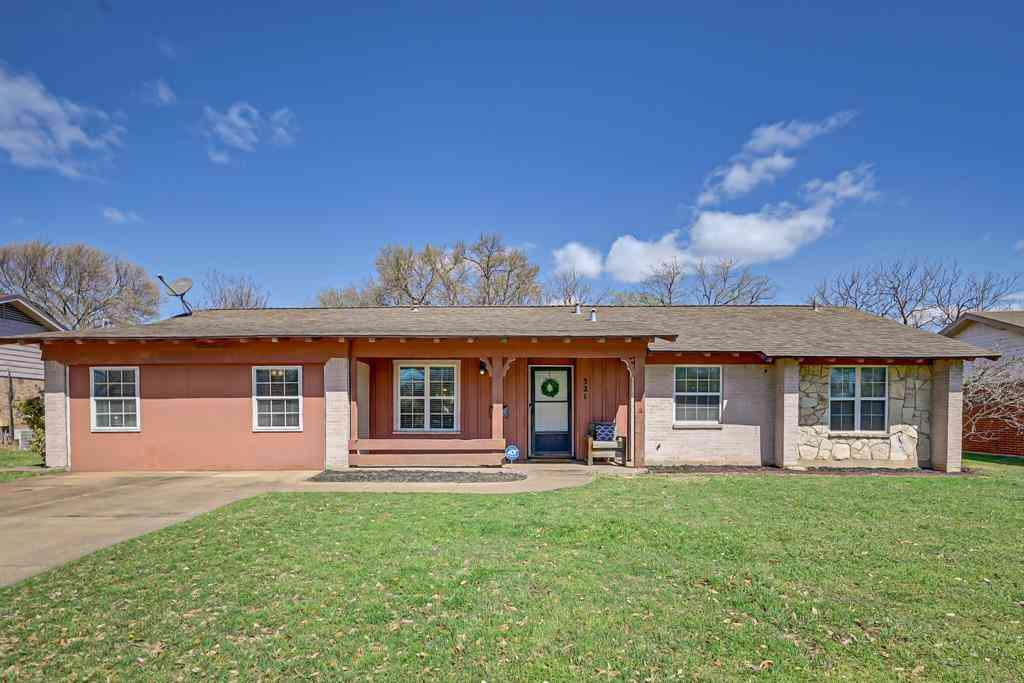 321 E Glendale Street, Crowley, TX, 76036,