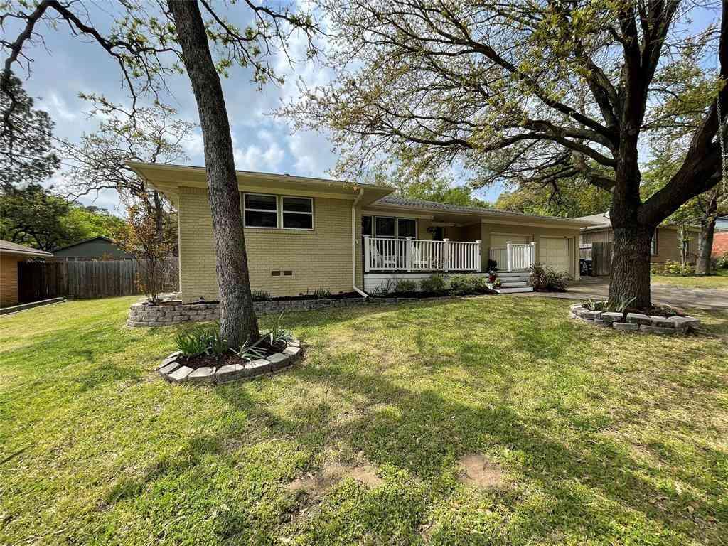 2709 Robinwood Lane, Denton, TX, 76209,