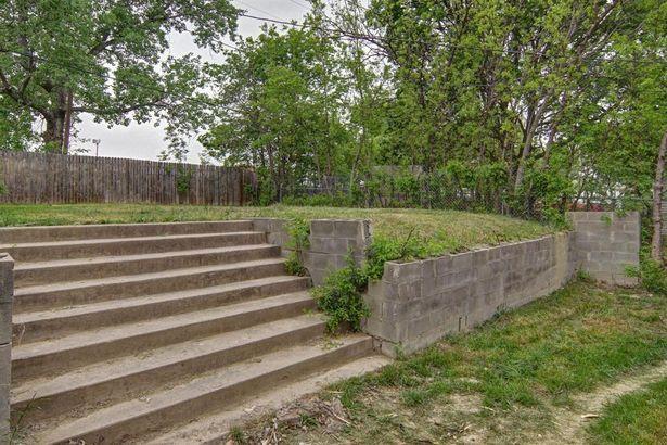 916 Meadow Park Drive