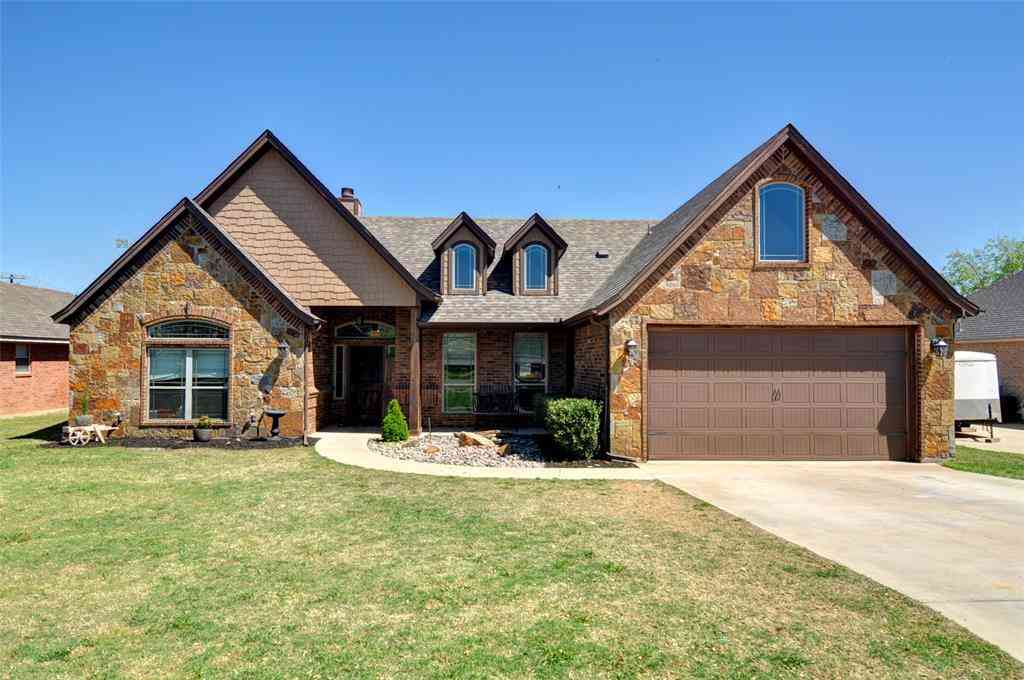 109 Golfers Way, Azle, TX, 76020,