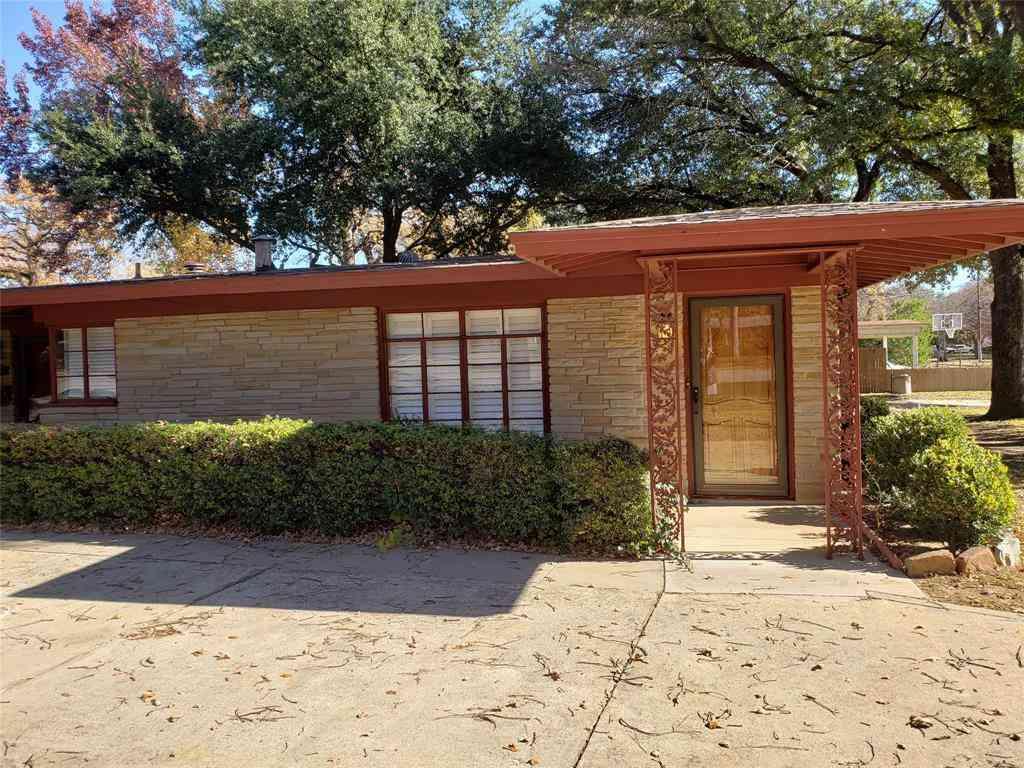 802 Merritt Street, River Oaks, TX, 76114,