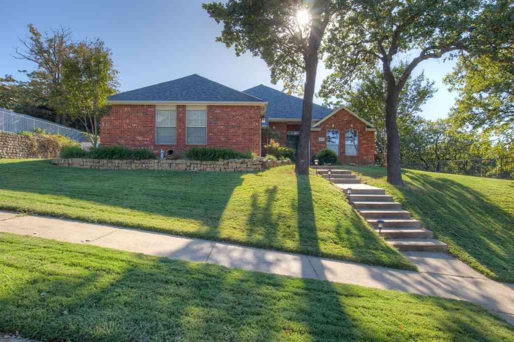 816 Hummingbird Trail, Crowley, TX, 76036,