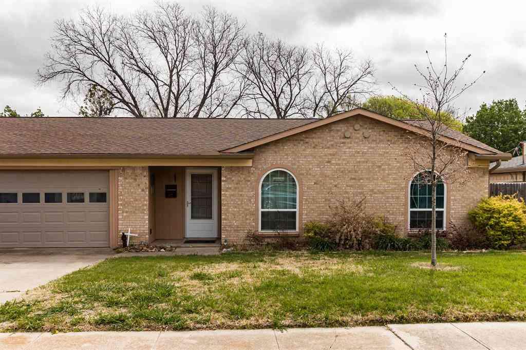 617 Pinto Lane, Saginaw, TX, 76179,