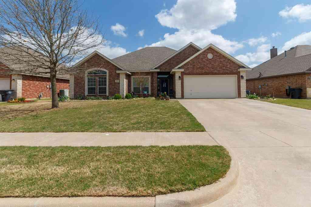 811 Chestnut Grove Drive, Cleburne, TX, 76033,