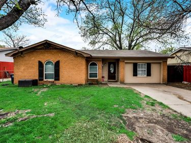 3404 Royal Crest Drive, Fort Worth, TX, 76140,
