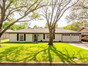 6104 Wrigley Way, Fort Worth, TX, 76133,
