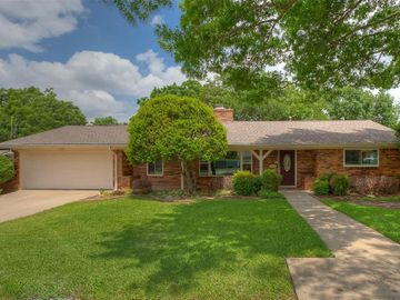 1813 Saxony Road, Fort Worth, TX, 76116,