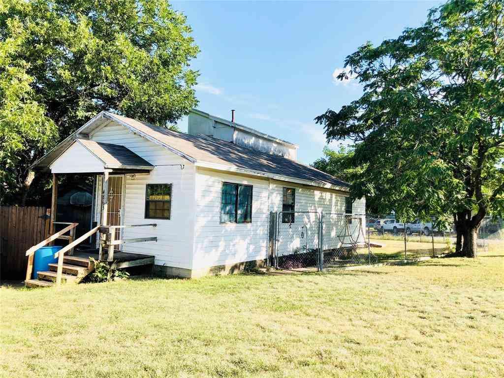 4863 Montrose Drive, River Oaks, TX, 76114,
