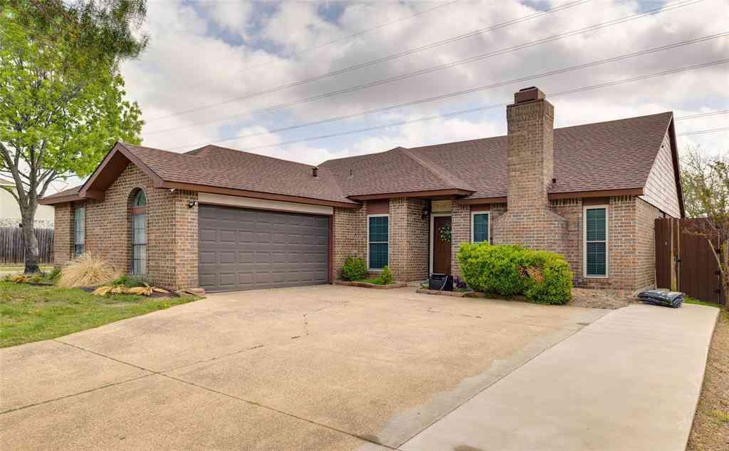 5111 Nocona Lane, Arlington, TX, 76018,