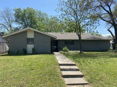 2845 Southgate Drive, Fort Worth, TX, 76133,