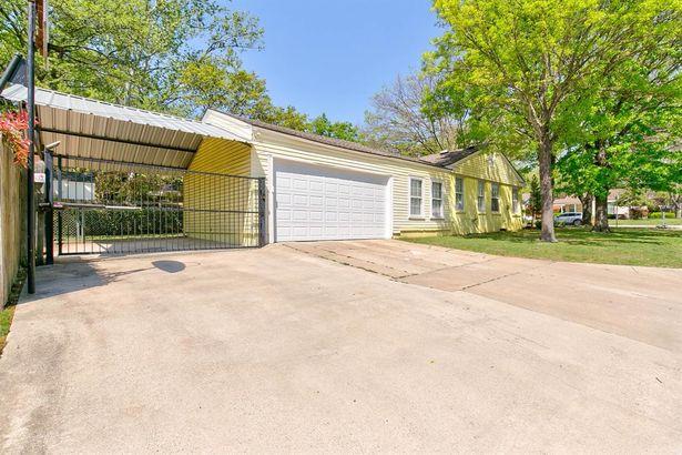 4301 Curzon Avenue