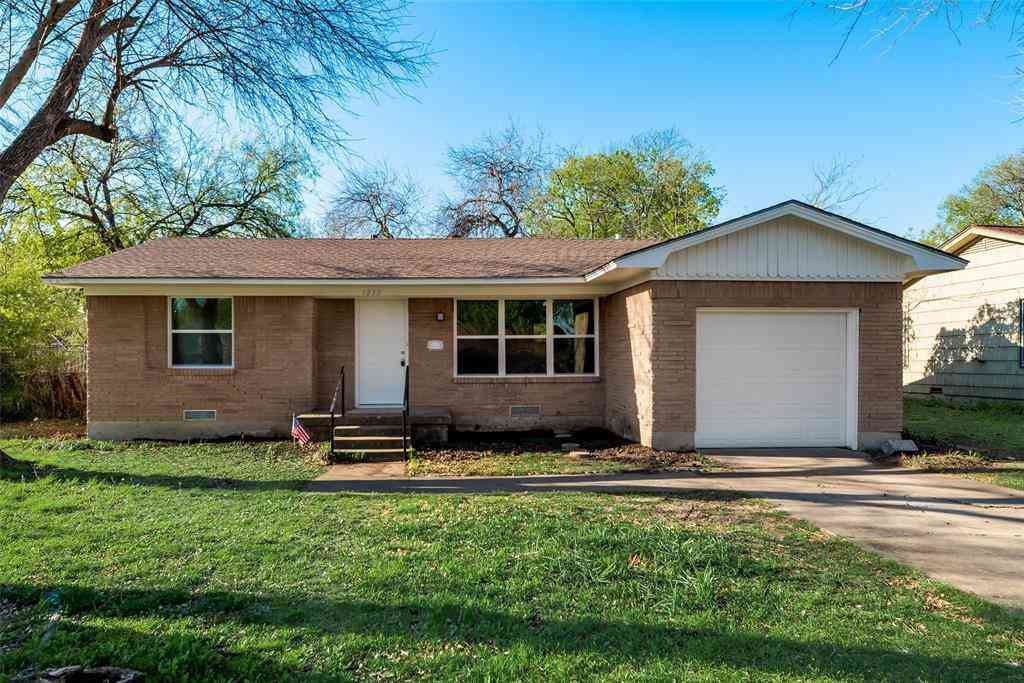 1813 Crescent Street, Denton, TX, 76201,