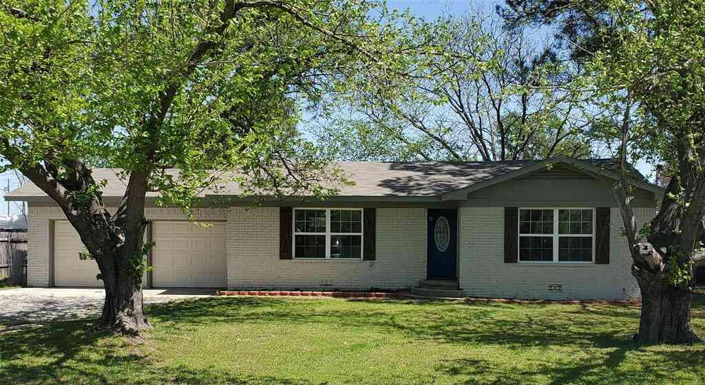 421 S Hitt Street, Boyd, TX, 76023,
