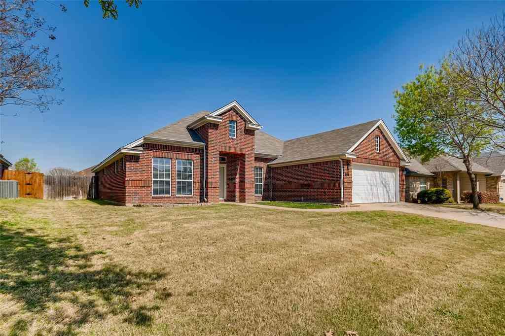 904 Linden Drive, Burleson, TX, 76028,