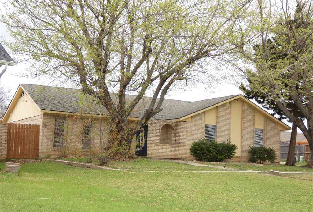 1638 Chisolm Trail, Lewisville, TX, 75077,