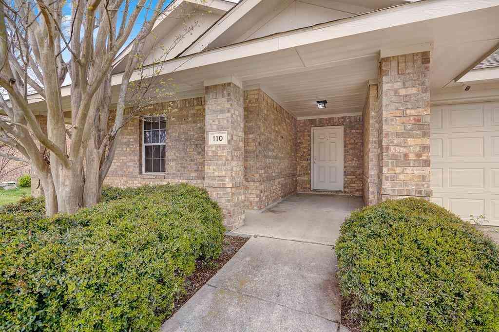 110 Pebble Creek Lane, Terrell, TX, 75160,