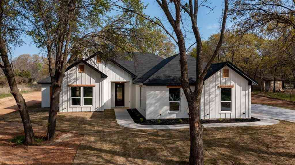 350 Faye Lane, Springtown, TX, 76082,