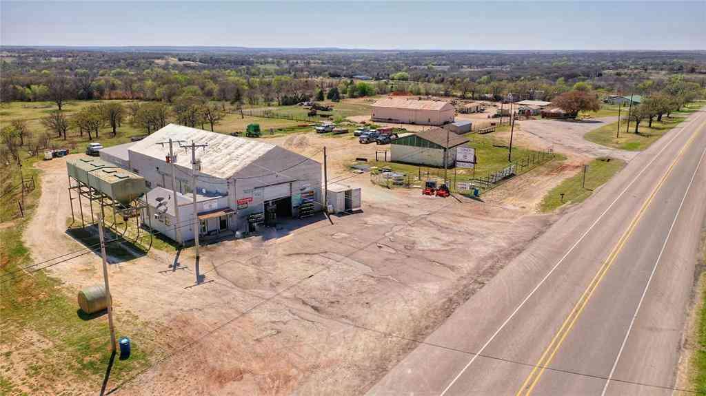 1323 US Highway 82 W, Nocona, TX, 76255,